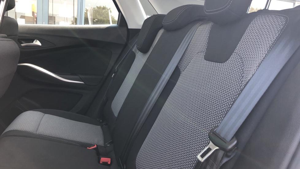 Vauxhall Grandland X 1.5 Turbo D SE 5dr image 4