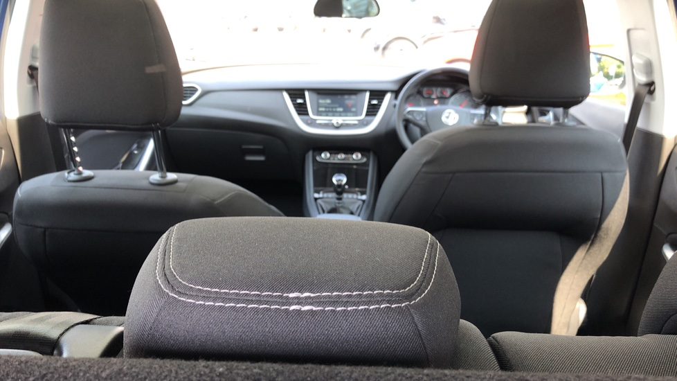 Vauxhall Grandland X 1.5 Turbo D SE 5dr image 10