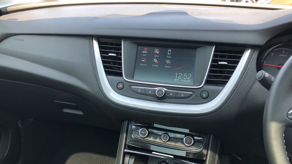 Vauxhall Grandland X 1.5 Turbo D SE 5dr image 27
