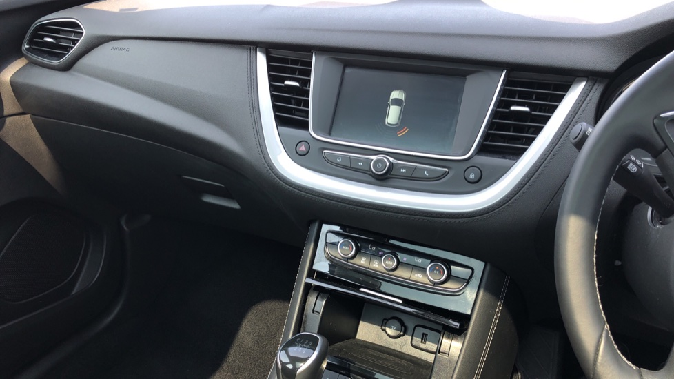 Vauxhall Grandland X 1.5 Turbo D SE 5dr image 31