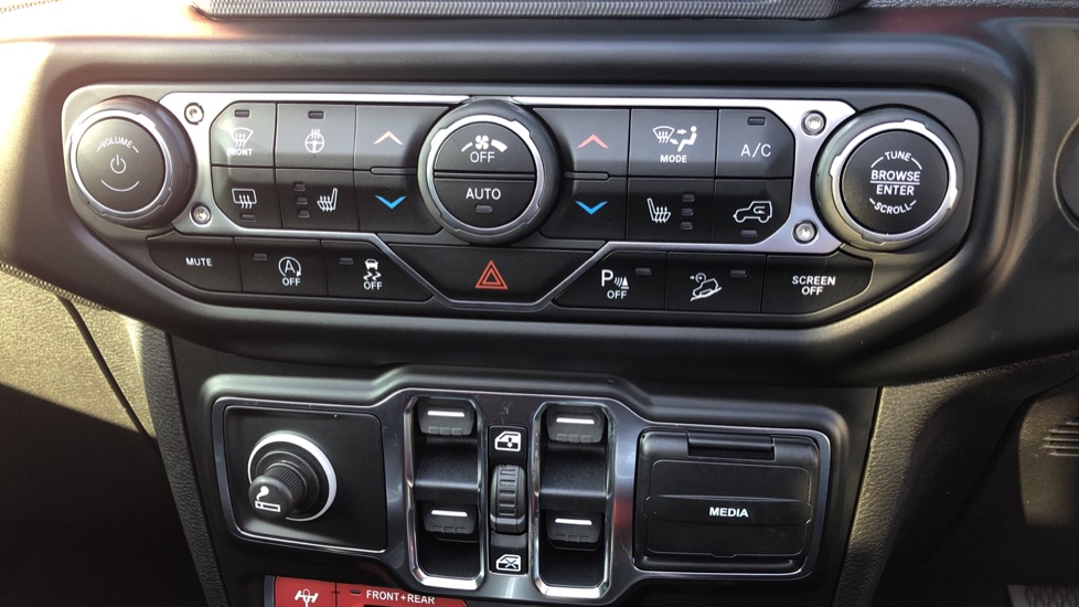 Jeep Wrangler 2.0 GME Rubicon 4dr Auto8 image 20