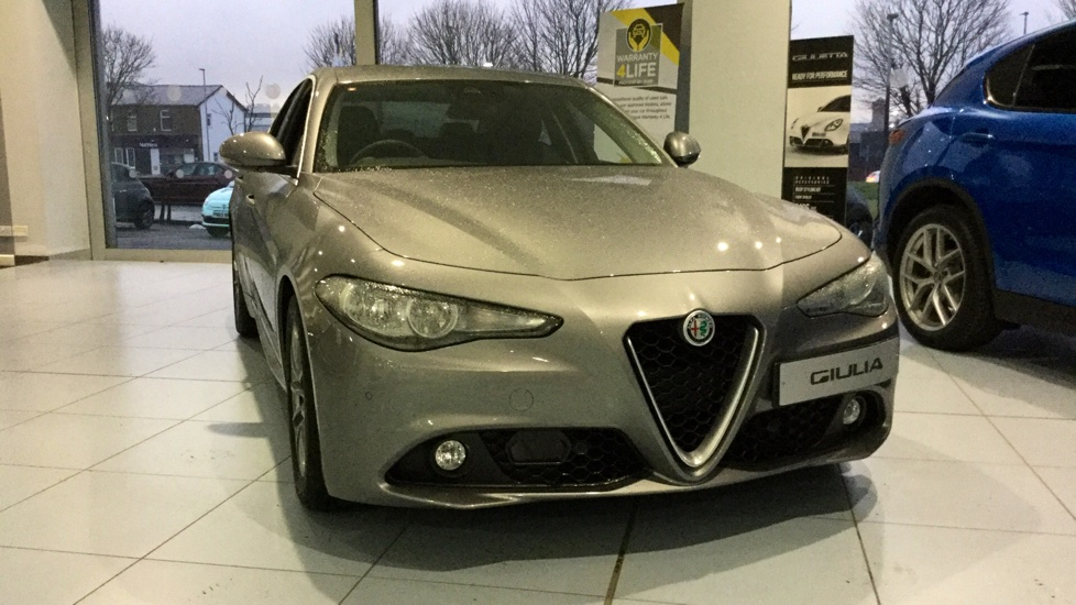 Alfa Romeo Giulia 2.2 JTDM-2 Tecnica with Low Mileage and Excellent Saving image 11