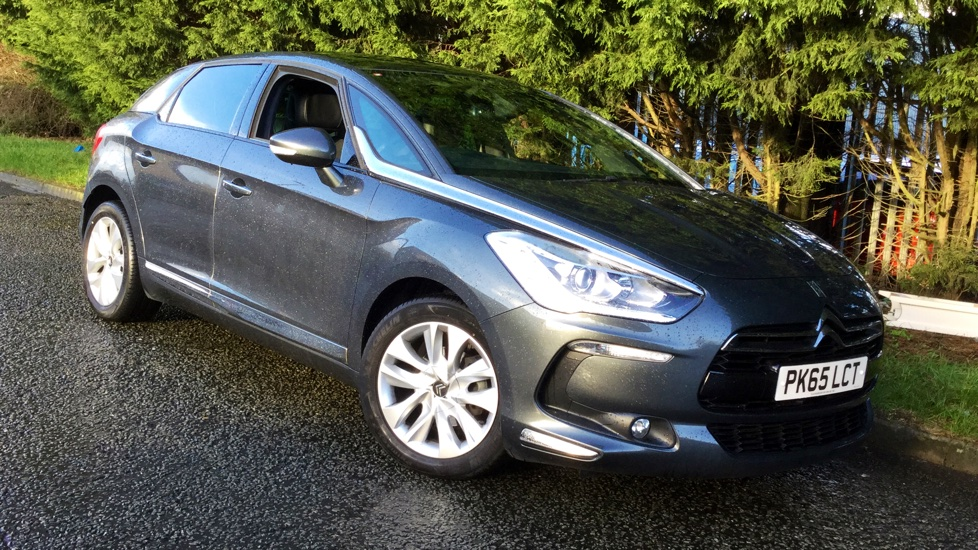 Citroen DS5 1.6 e-HDi 115 Airdream DStyle 5dr ETG6 with Parking Reverse Camera, Panoramic Roof & Sat Nav Diesel Automatic Hatchback (2015) image