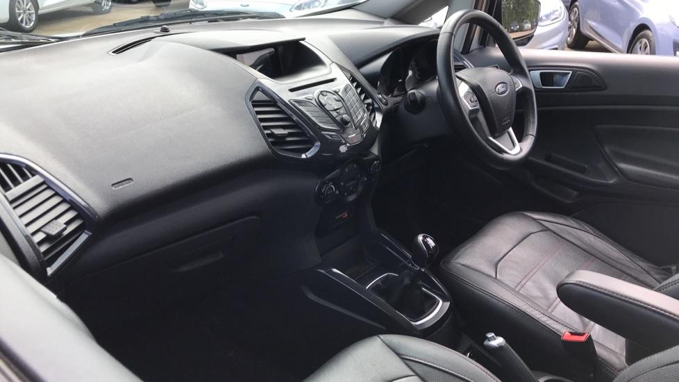 Ford EcoSport 1.5 TDCi Titanium [X Pack] image 13