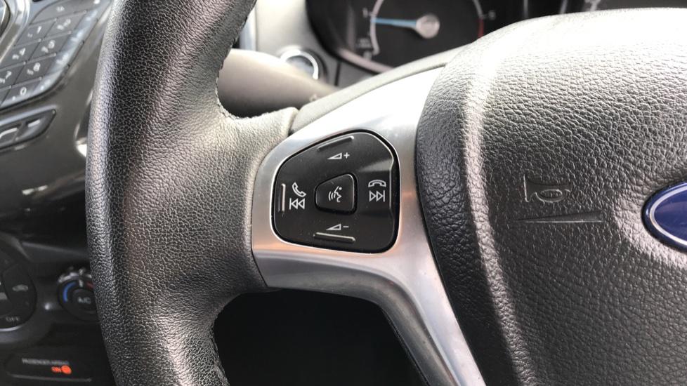 Ford EcoSport 1.5 TDCi Titanium [X Pack] image 18