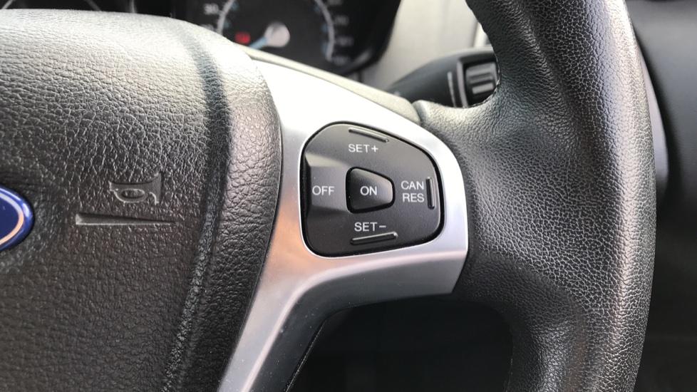 Ford EcoSport 1.5 TDCi Titanium [X Pack] image 19