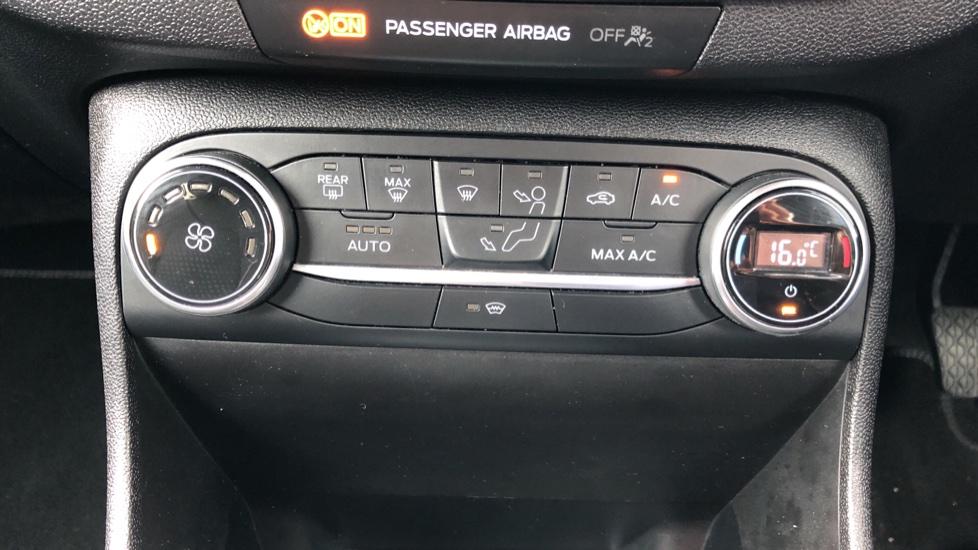 Ford Fiesta 1.0 EcoBoost Titanium 3dr image 16