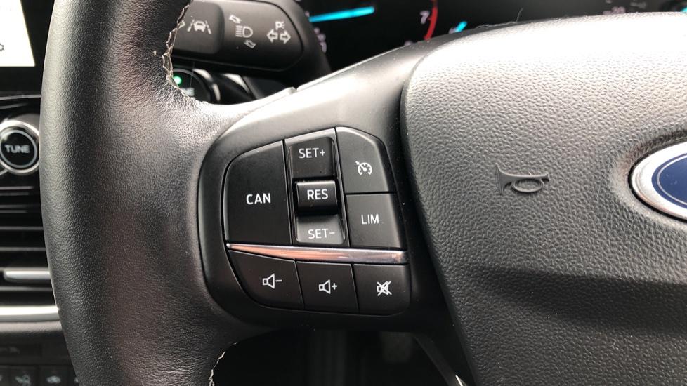 Ford Fiesta 1.0 EcoBoost Titanium 3dr image 18