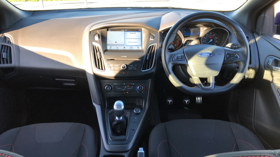 Ford Focus 1.0 EcoBoost 125 ST-Line 5dr image 11