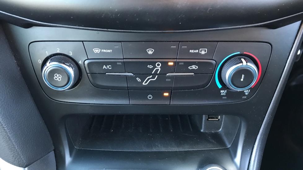 Ford Focus 1.0 EcoBoost 125 ST-Line 5dr image 16