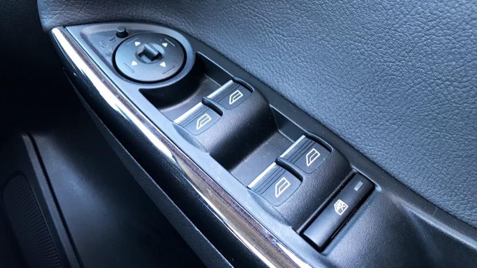 Ford Focus 2.0 TDCi Titanium [Nav] Powershift image 18