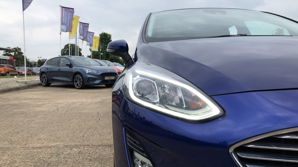 Ford Fiesta 1.0 EcoBoost Titanium with Navigation and Cruise Control image 23