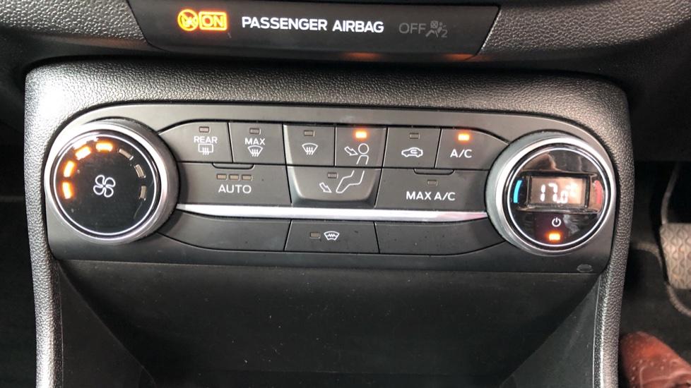 Ford Fiesta 1.5 TDCi 120 Titanium 5dr image 16