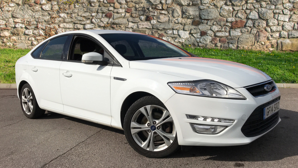 Ford Mondeo 1.6 TDCi Eco Graphite [Start Stop] Diesel 5 door Hatchback (2014) image