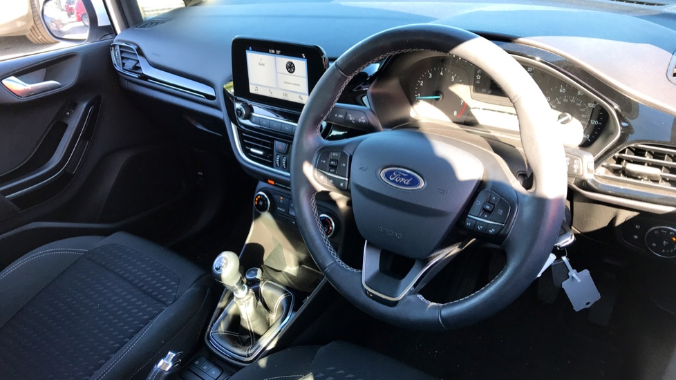 Ford Fiesta 1.0 EcoBoost Zetec 5dr image 10 thumbnail