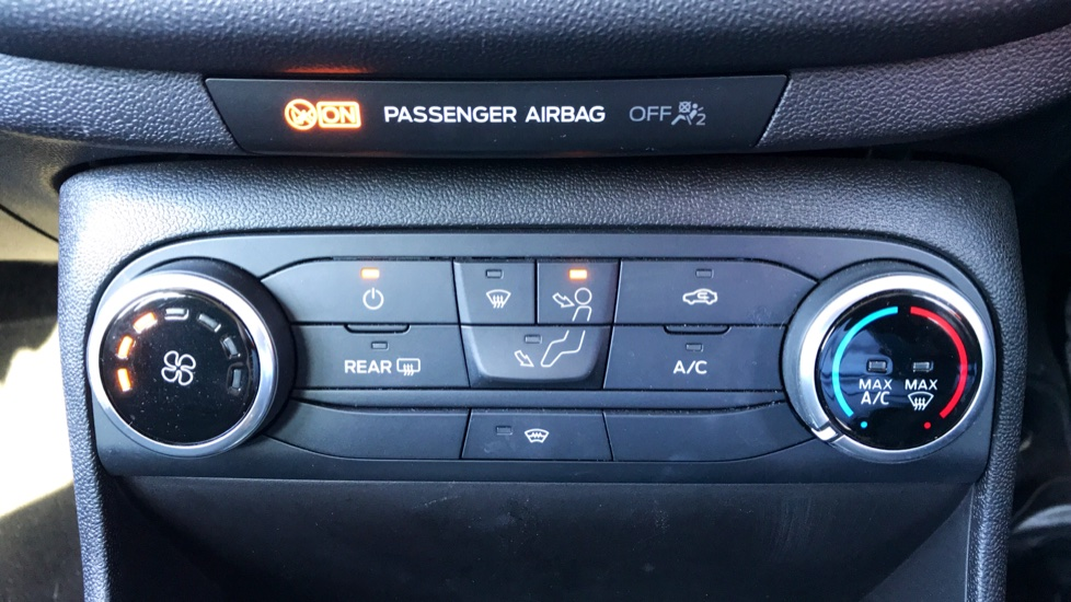 Ford Fiesta 1.0 EcoBoost Zetec 5dr image 14 thumbnail