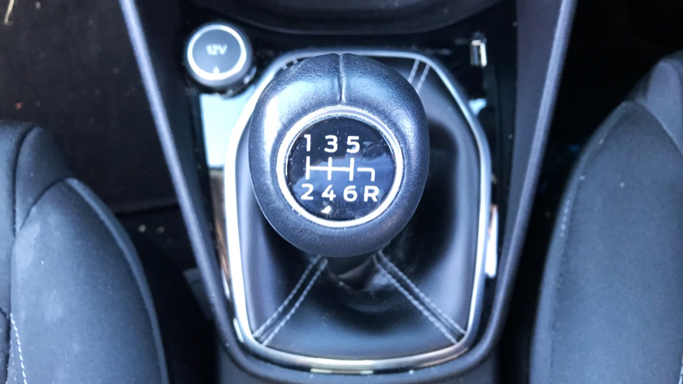 Ford Fiesta 1.0 EcoBoost Zetec 5dr image 15 thumbnail