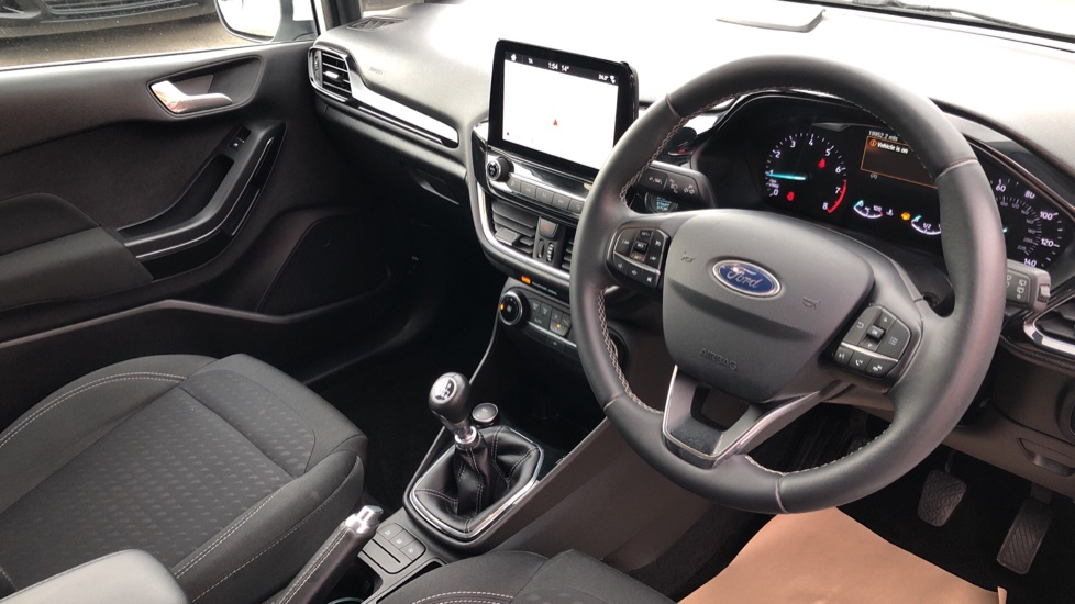Ford Fiesta 1.0 EcoBoost Titanium 5dr image 12