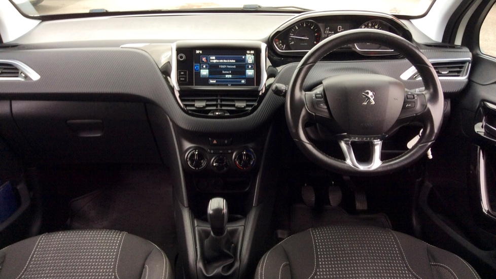 Peugeot 208 1.6 BlueHDi 100 Allure 5dr image 20