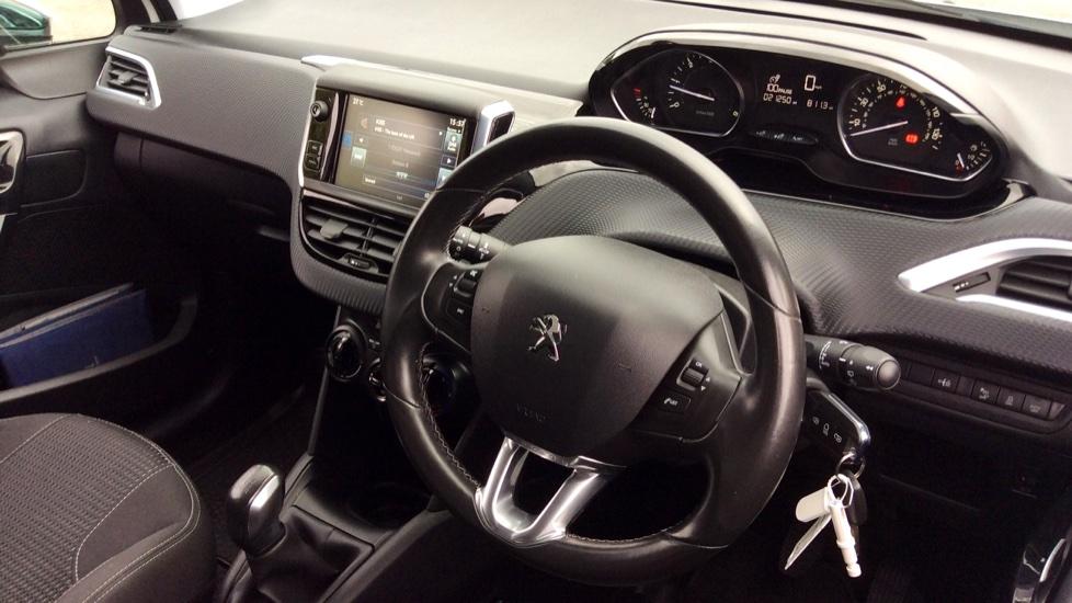 Peugeot 208 1.6 BlueHDi 100 Allure 5dr image 10
