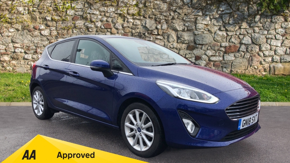 Ford Fiesta 1.0 EcoBoost Titanium 5dr image 1 thumbnail