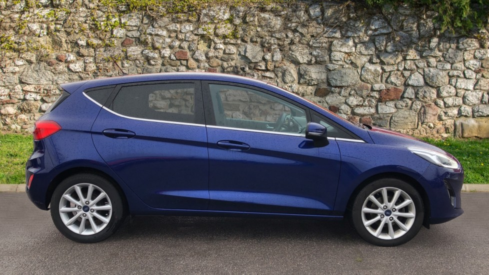 Ford Fiesta 1.0 EcoBoost Titanium 5dr image 4 thumbnail