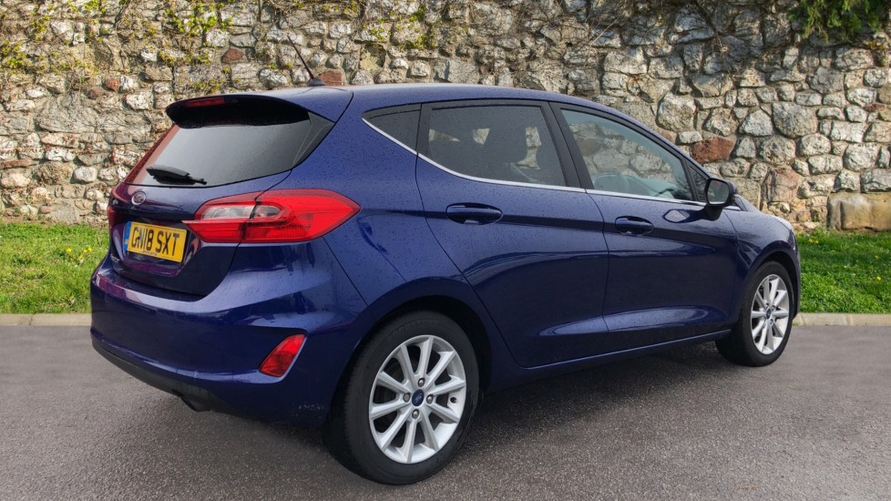 Ford Fiesta 1.0 EcoBoost Titanium 5dr image 5 thumbnail