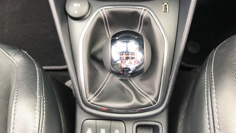 Ford Fiesta 1.5 EcoBoost ST-3 5dr image 17