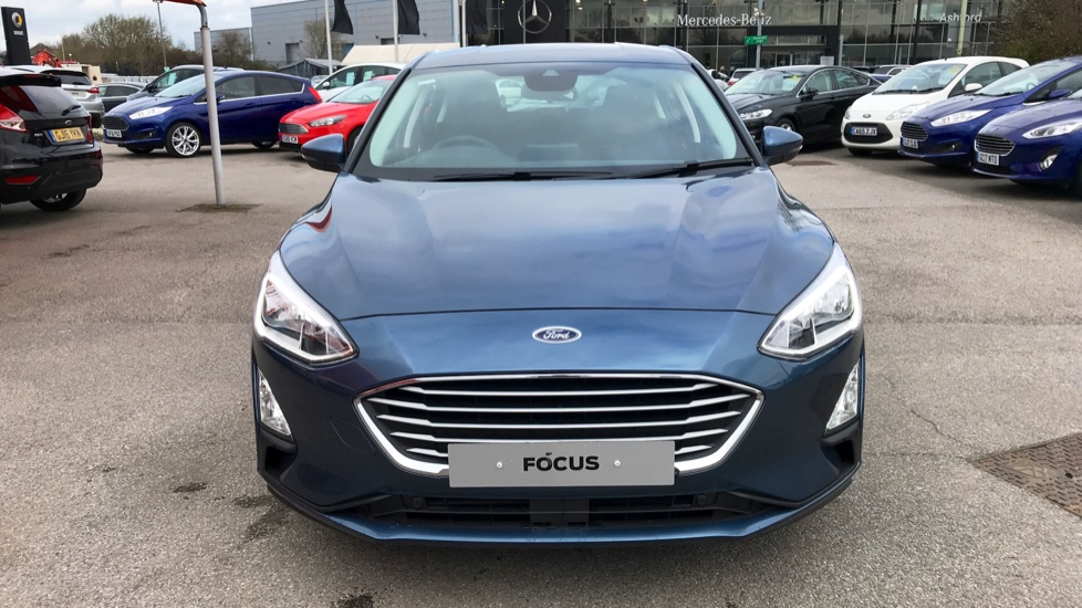 Ford Focus 1 5 EcoBlue 120 Zetec [Nav] 5dr Diesel Hatchback (2019) at Ford  Ashford