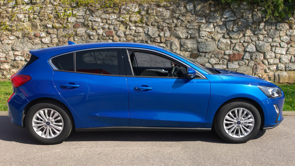 Ford Focus 1.0 EcoBoost 125 Titanium 5dr image 4