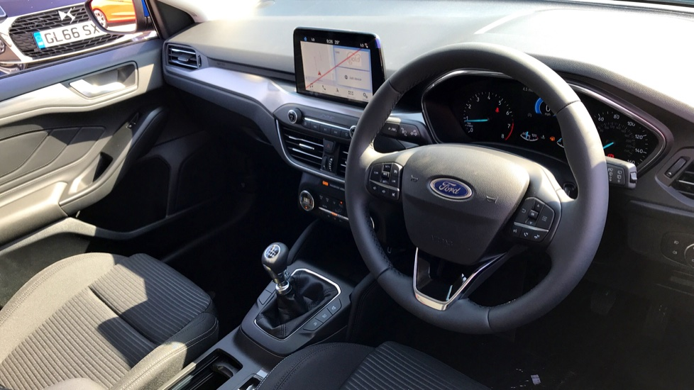 Ford Focus 1.0 EcoBoost 125 Titanium 5dr image 10