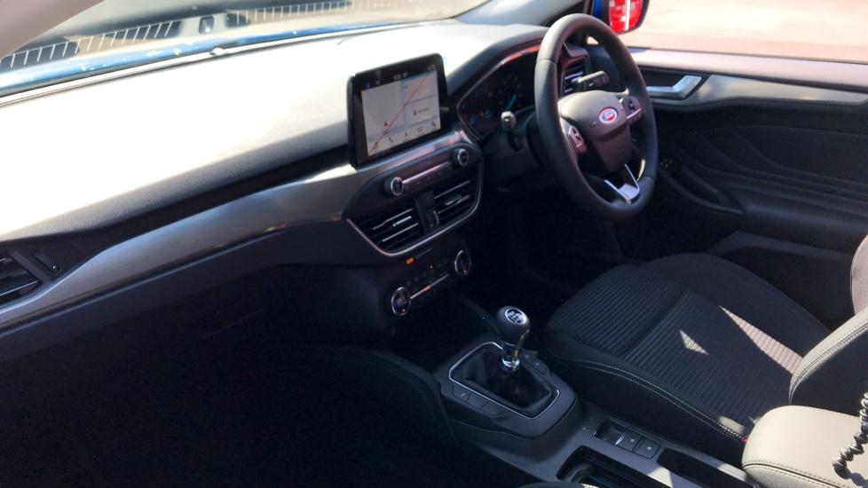 Ford Focus 1.0 EcoBoost 125 Titanium 5dr image 11
