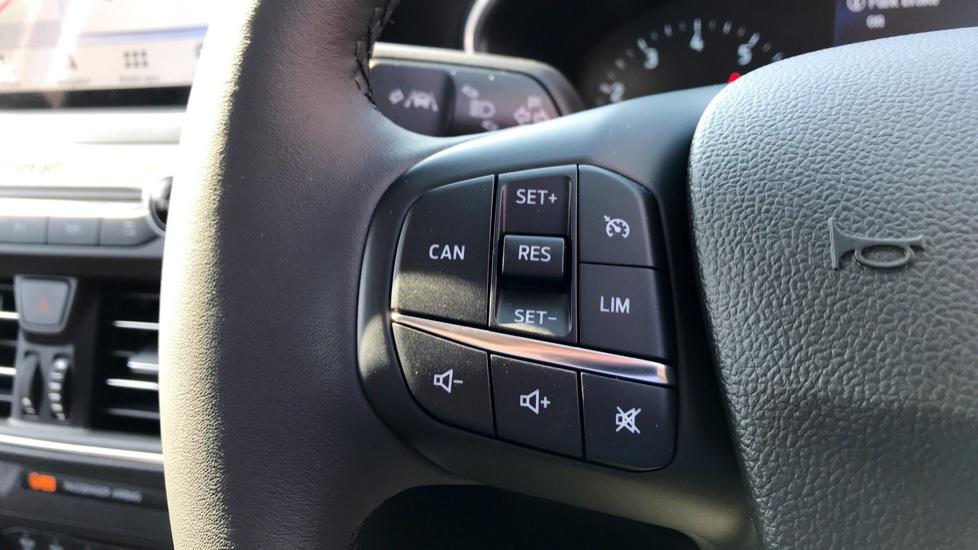 Ford Focus 1.0 EcoBoost 125 Titanium 5dr image 16