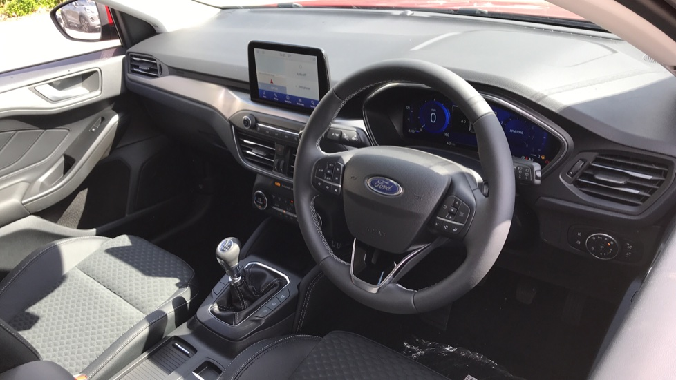Ford Focus 1.0 EcoBoost Hybrid mHEV 125 Titanium X Ed 5dr image 12