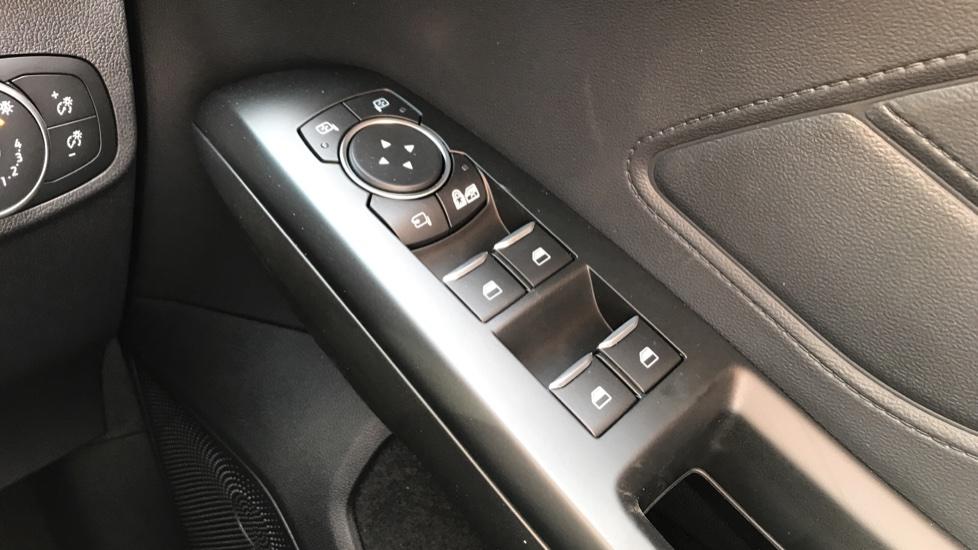 Ford Focus 1.0 EcoBoost Hybrid mHEV 125 Titanium X Ed 5dr image 20
