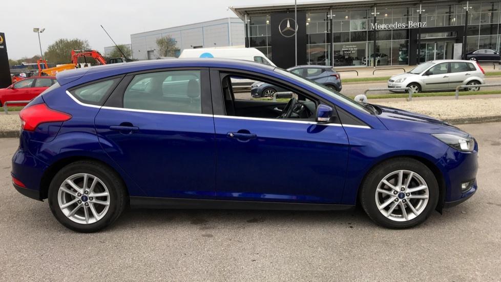 Ford Focus 1.0 EcoBoost Zetec [Nav] 5dr image 4
