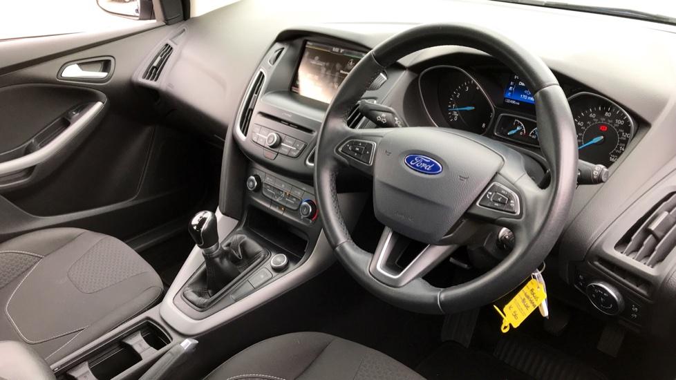 Ford Focus 1.0 EcoBoost Zetec [Nav] 5dr image 10