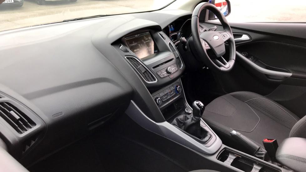Ford Focus 1.0 EcoBoost Zetec [Nav] 5dr image 11