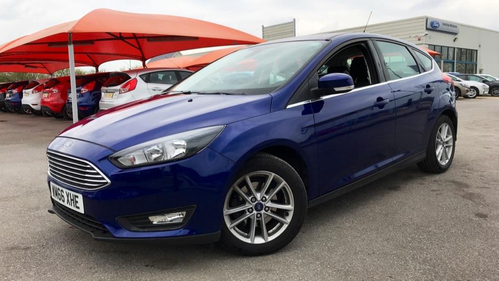 Ford Focus 1.0 EcoBoost Zetec [Nav] 5dr image 3