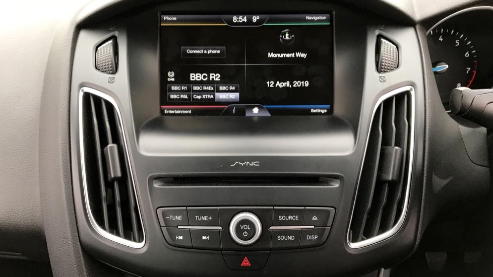 Ford Focus 1.0 EcoBoost Zetec [Nav] 5dr image 13