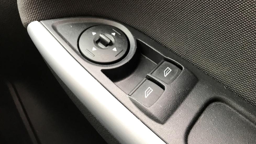 Ford Focus 1.0 EcoBoost Zetec [Nav] 5dr image 18
