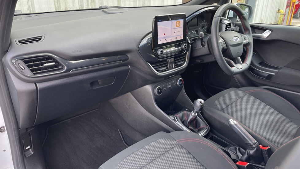 Ford Fiesta 1.0 EcoBoost ST-Line 5dr with DAB Radio and Keyless Start image 10