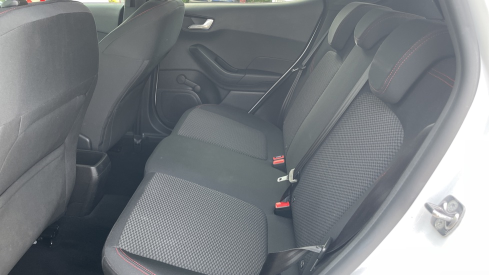 Ford Fiesta 1.0 EcoBoost ST-Line 5dr with DAB Radio and Keyless Start image 14