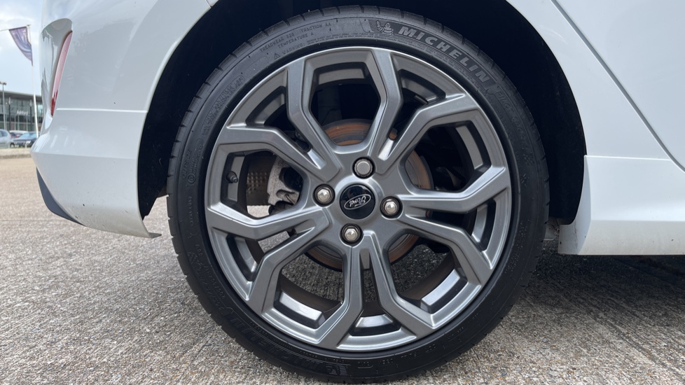 Ford Fiesta 1.0 EcoBoost ST-Line 5dr with DAB Radio and Keyless Start image 18