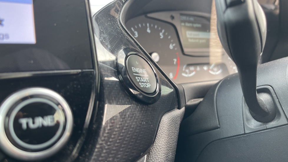 Ford Fiesta 1.0 EcoBoost ST-Line 5dr with DAB Radio and Keyless Start image 21