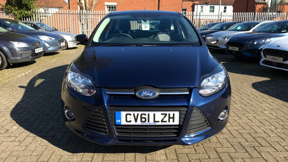 Ford Focus 1 6 Zetec 5dr Hatchback 2011 Available From Volvo Gatwick