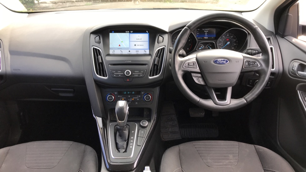 Ford Focus 1.5 EcoBoost Titanium 5dr image 11