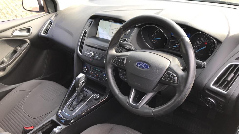 Ford Focus 1.5 EcoBoost Titanium 5dr image 12