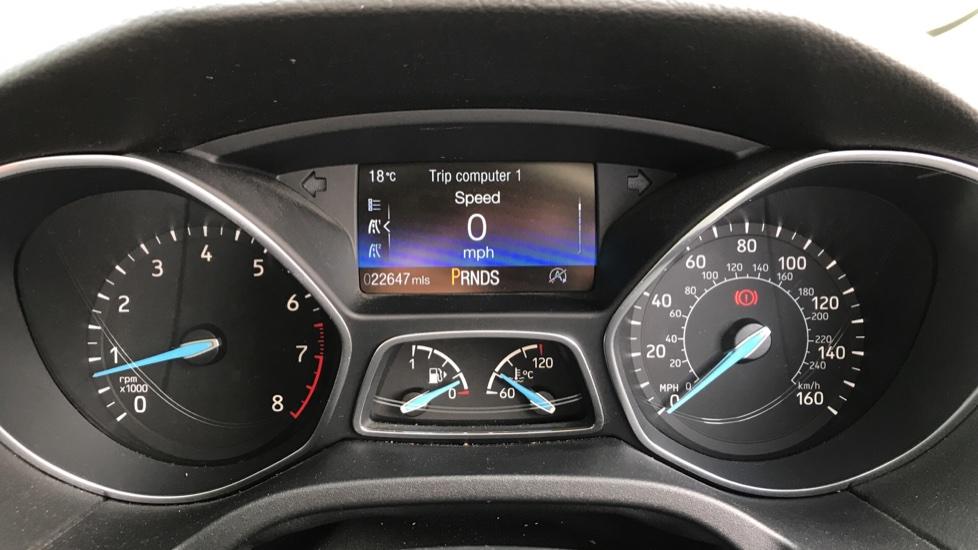 Ford Focus 1.5 EcoBoost Titanium 5dr image 14