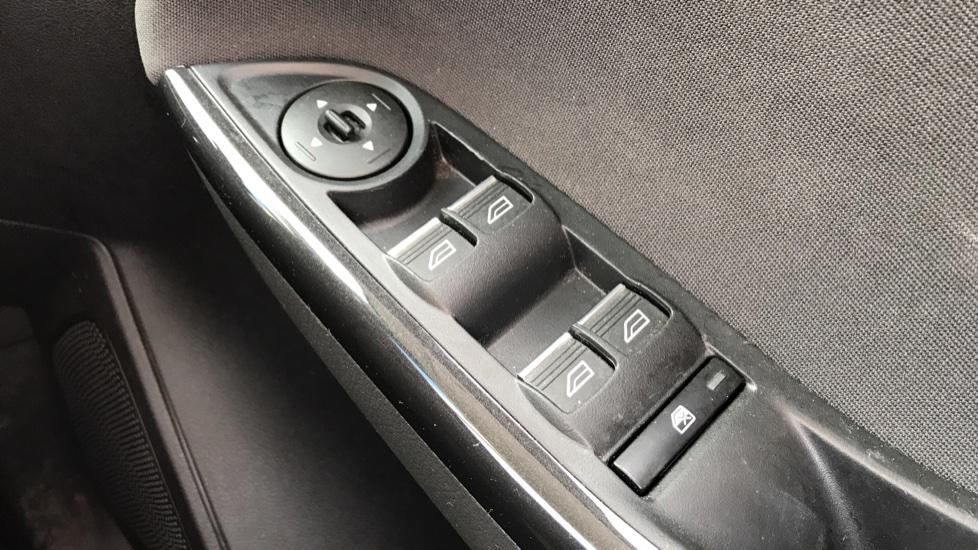 Ford Focus 1.5 EcoBoost Titanium 5dr image 20